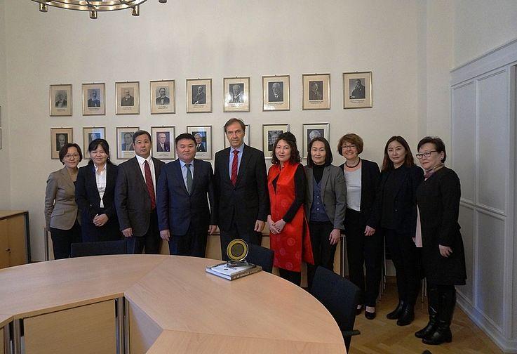 Präsident des bayerischen Verwaltungsgerichtshofs in München Herr Stephan Kersten empfängt die Delegation
