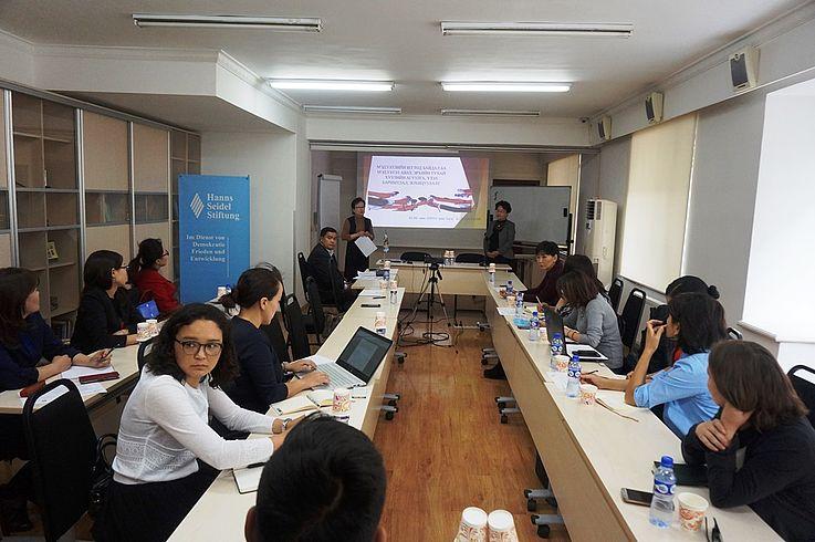 Rechtsaufklärung für Presseinstitut-Multiplikatoren und Journalisten